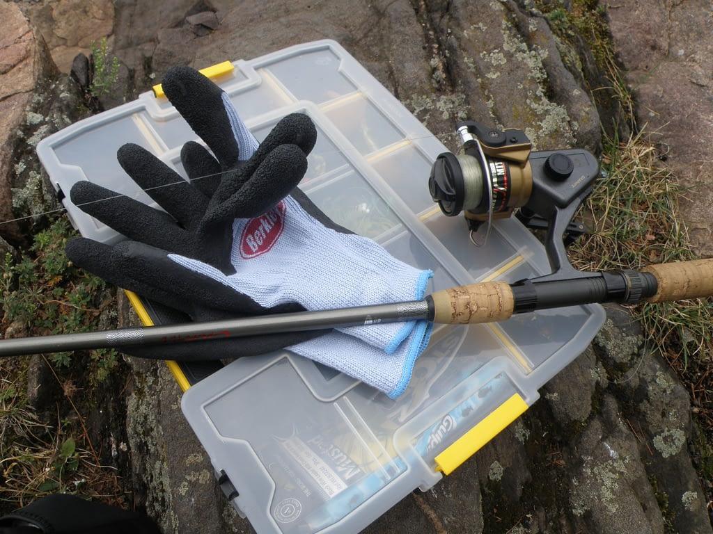 Padded Fishing Gloves